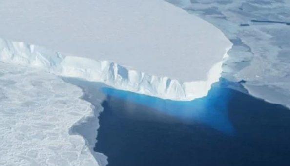 Под антарктическим ледником обнаружили пустоты