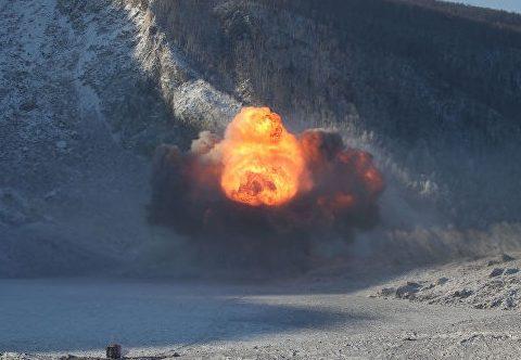 Военные пробили протоку на реке Бурея