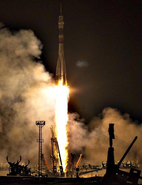 «Ангел» летит к Солнцу, НЛО следит за запуском ракеты на Байконуре