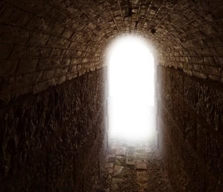 свет в конце туннеля во время клинической смерти
