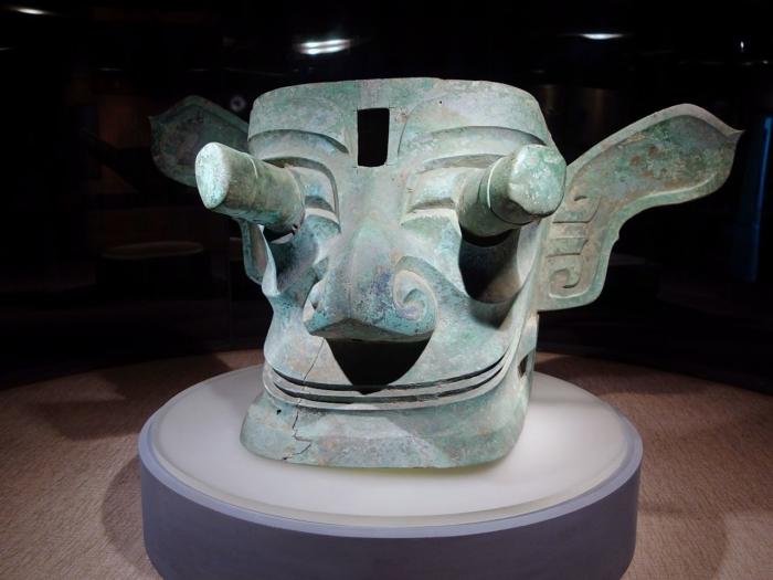 Маска культуры Саньсиндуй, Китай.