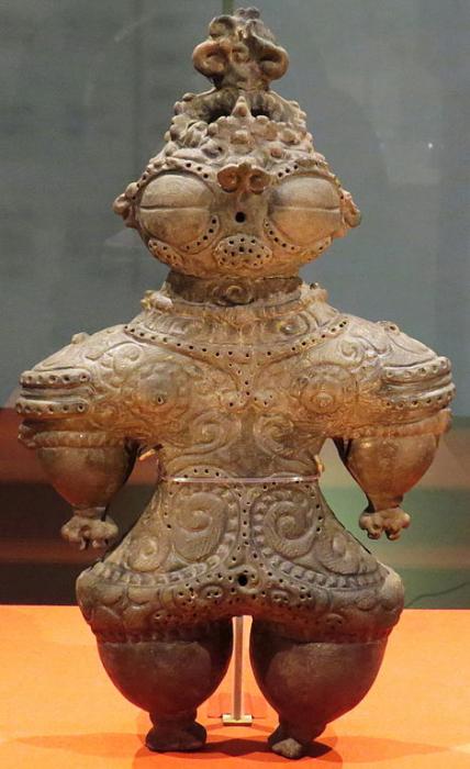 Статуэтка из глины, конец периода Дзёмон, Токийский национальный музей.