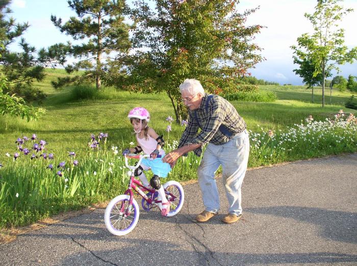 Девочка с дедушкой