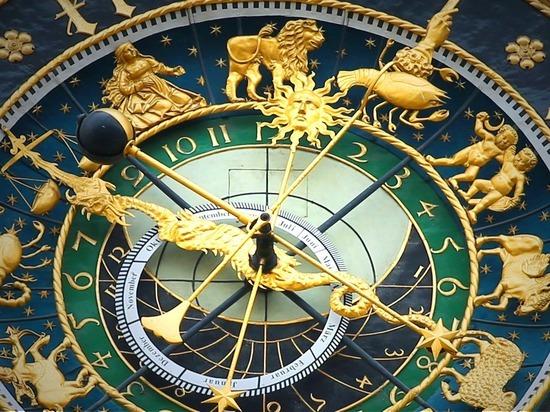 Предсказавшие пандемию астрологи дали прогноз на 2021 год - МК