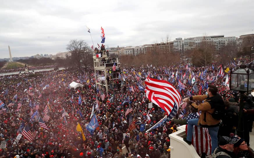 Глава Минздрава США подал в отставку - Новости – Мир – Коммерсантъ