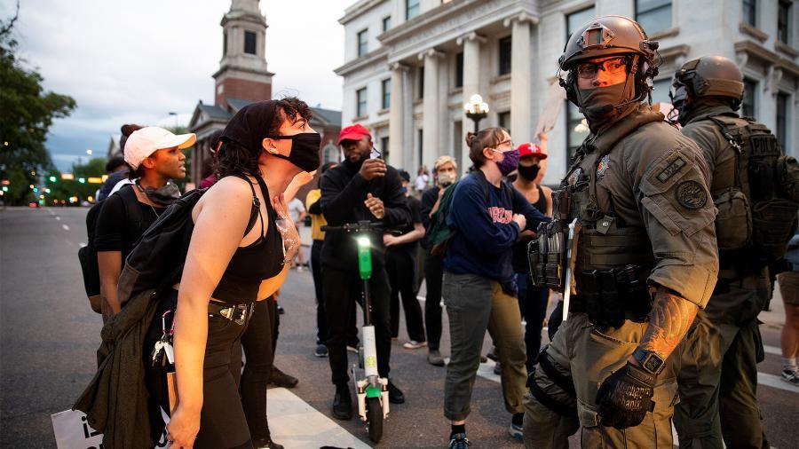Этот город в огне: к чему приведут протесты в Миннеаполисе | Статьи | Известия