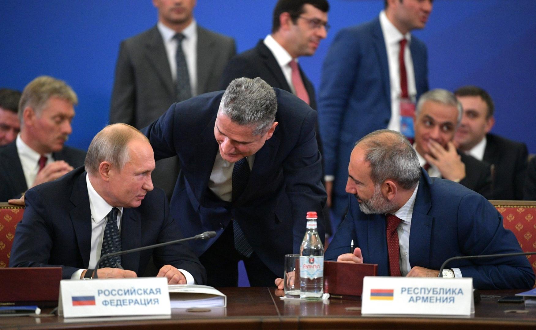 Пашинян и Путин провели вторую встречу в аэропорту - ИА REGNUM